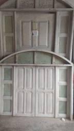 Porta e janela de madeira 400,00