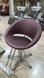 Venda móveis para salão de cabeleireiros.