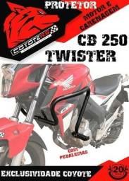 Protetor De Motor E Carenagem Coyote C/pedaleiras Cb 250 Twister 2015. Preto Honda