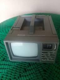 TV rádio AM FM.