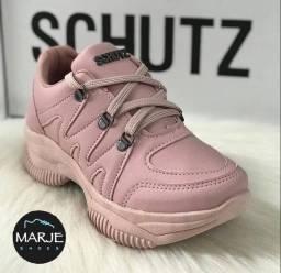 Tênis SCHUTZ atacador rosa.
