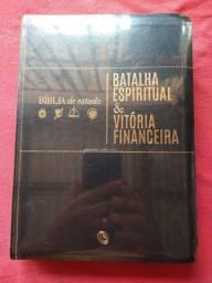 Bíblia de estudo batalha espiritual e vitória financeira Nova lacrada