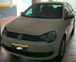 VW Polo confortline 1.6 sedan