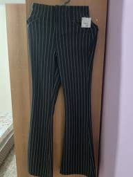 Modelo de calça flare marca Riachuelo