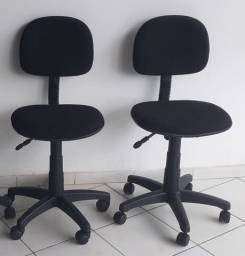 Vendo essas cadeiras giratórias R$ 200,00 cada uma