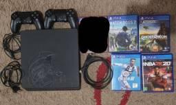 Playstation 4 de 1TB + 4 jogos e 2 controles