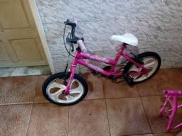 Bicicletinha aro 16, toda certinha. Para Criança até 8 anos