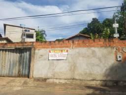 Casa a venda no setor universitário de frente a br. 153