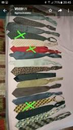16 Gravatas pouco usadas e muito bem conservadas-