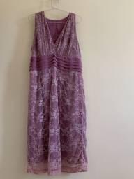 Vestido curto lilás renda