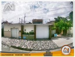 Casa triplex com 5 quartos à venda, 400 m² no bairro demócrito rocha