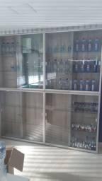 Vendo vitrine e Balcão 100% MDF...