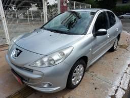 Peugeot 207 Passion Completo 1.4 Flex 4 Portas Prata 2012/13