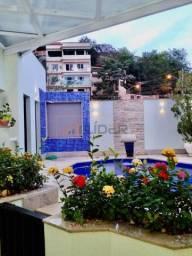 Casa Duplex com 2 quartos + 1 suíte com closet - Bairro Maria das Graças