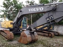 Escavadeira Volvo Ec 240 / 2012