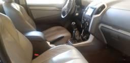 Vendo S10 LT 4x4 12/13 manual Diesel com 147 mil rodados