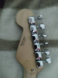 Guitarra fender (Chinesa)