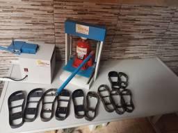Vendo máquina de fazer chinelo!