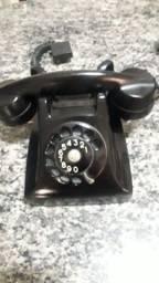 Telefone antigo de mesa