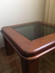 Mesa de centro madeira mogno e vidro