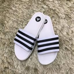 Short moletom Adidas P e sandália Adidas 40-41 branca e preta 41-42!!