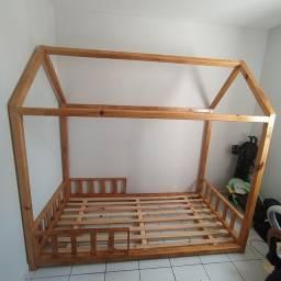 Vende-se cama casinha  de criança