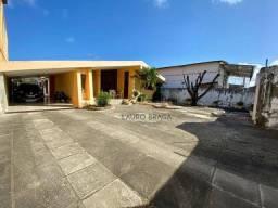 Casa com 3 dormitórios à venda, 385 m² por R$ 850.000,00 - Barro Duro - Maceió/AL