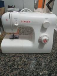 Maquina de costura singer $550