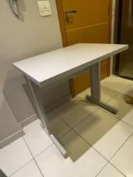 Mesa escrivaninha branca