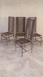 Quatro cadeiras de ferro e junco (cod.5944)