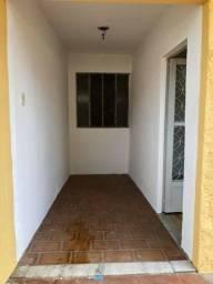 Casa 2/4 em Rocha Miranda - R$ 750,00