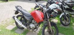 Vendo moto yamaha factor 125 ano 2010 moto, rodando normalmente!!!