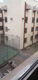 Apartamento três quartos, sendo um reversível.