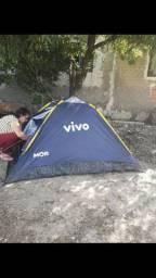 Baraca inglu de acampa