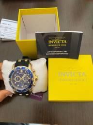 Relógio masculino Invicta Pro Diver cronógrafo mostrador azul pulseira de dois tons 30763
