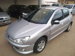 Peugeot 206 1.4 2004/2005 Completo - 2005