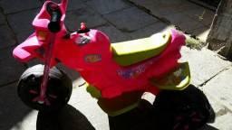 Moto elétrica menina