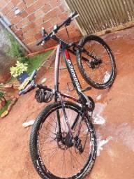 Vendo bike aro 29  de 30v freio hidráulico