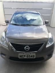 Vendo veículo Nissan Versa 1.6 SV - 2012