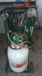 Ordenhadeira de leite nova