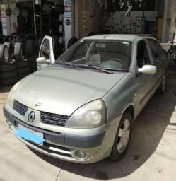 Renault Clio sedan ano 2004
