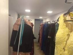 Passo loja de aluguel de roupas