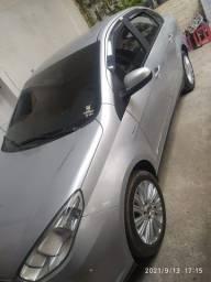 Carro Gran Siena Essence 1.6 16v