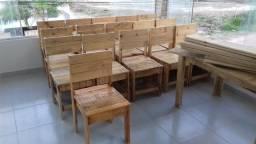 Mesas, cadeiras, luminárias, armários