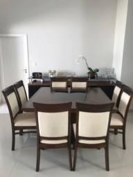 Mesa com 8 lugares + aparador