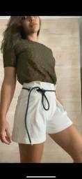 Blusa e short com cinto