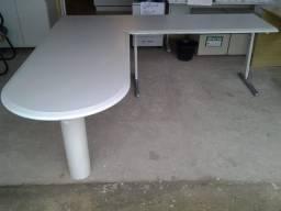 Mesa em L executiva