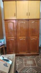 Título do anúncio: Guarda roupa madeira,400 reais