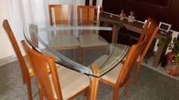 Vende-se Mesa de 6 Cadeiras
