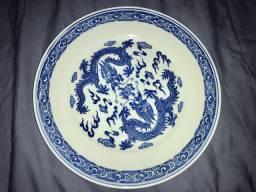 Prato chinês design com dragões